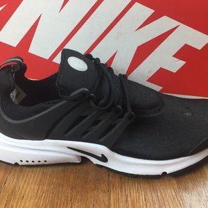 Nike Air Presto Essential Black Running Shoes